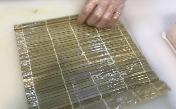 como-cortar-los-rollos-de-sushi