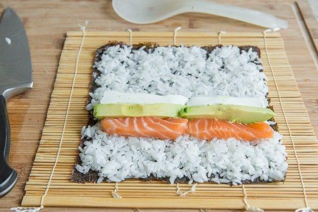 como-hacer-sushi-en-casa-paso-a-paso-filadelfia