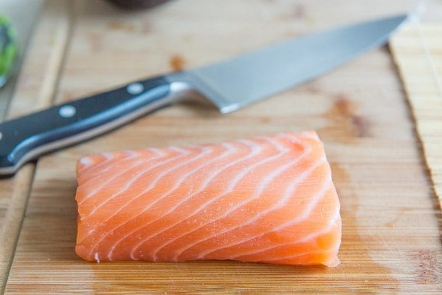 como-hacer-sushi-en-casa-salmon